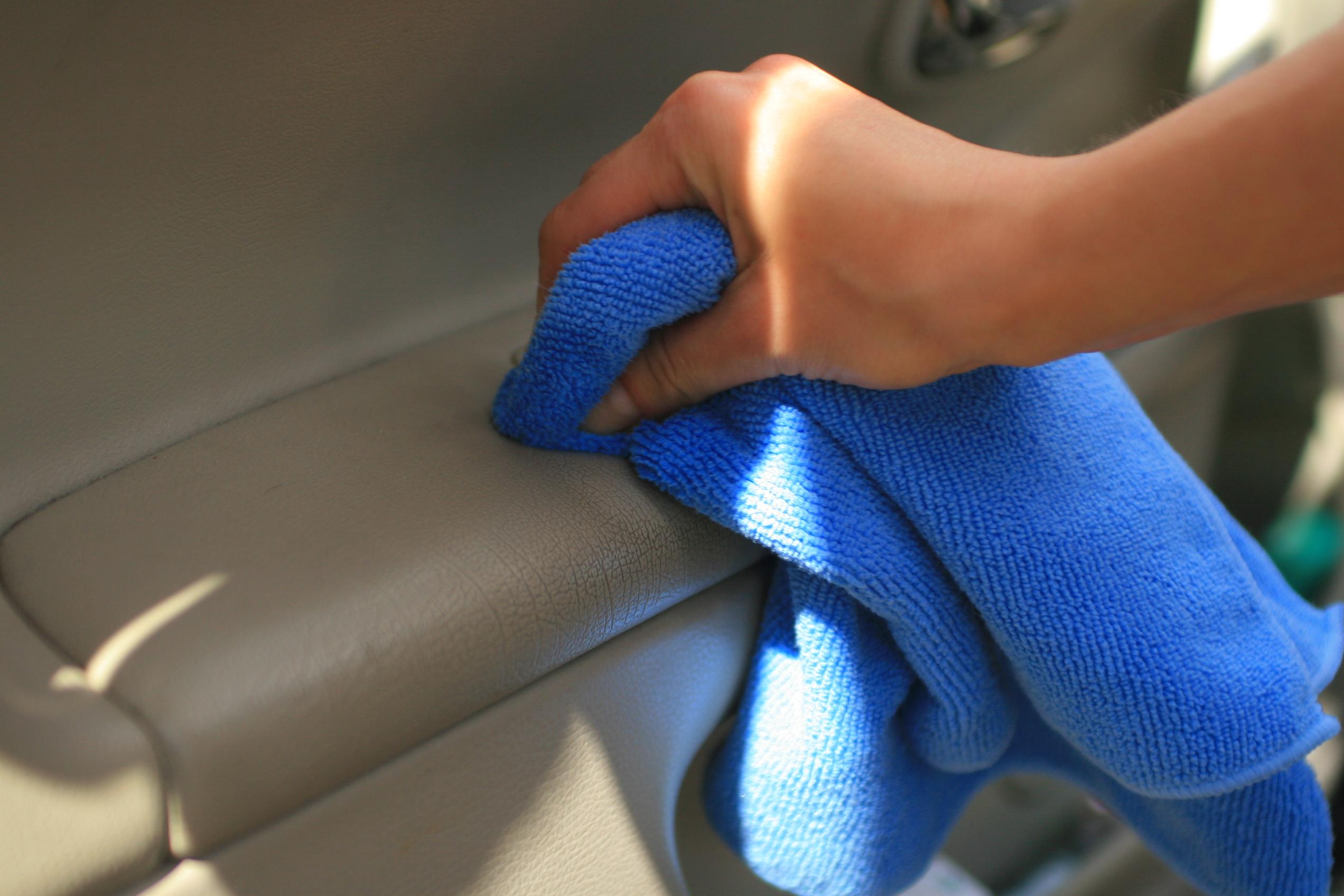 czyszczenie tapicerki skorzanej Leather Cleaner 2 - Photo Gallery