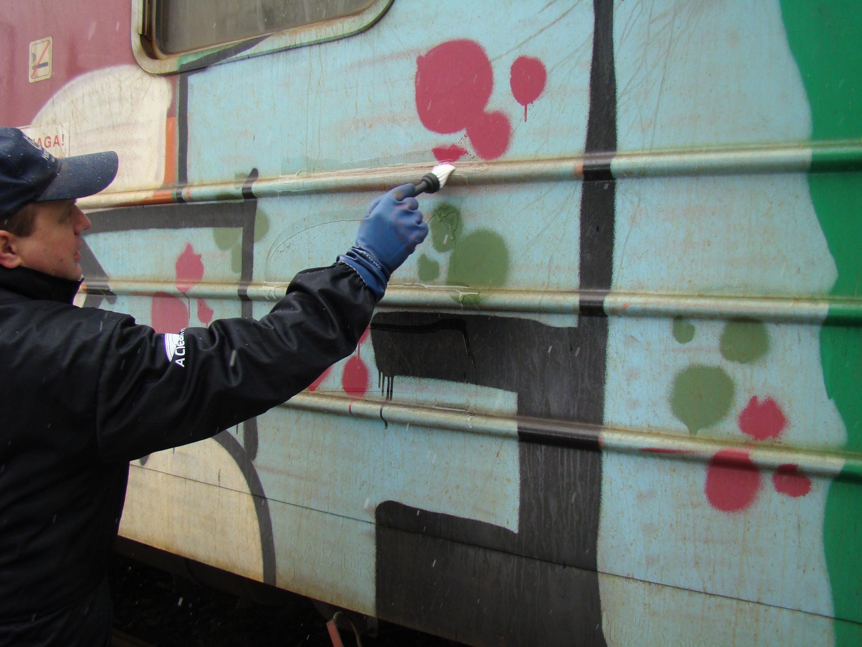 usuwanie graffiti pociag 3 - Photo Gallery
