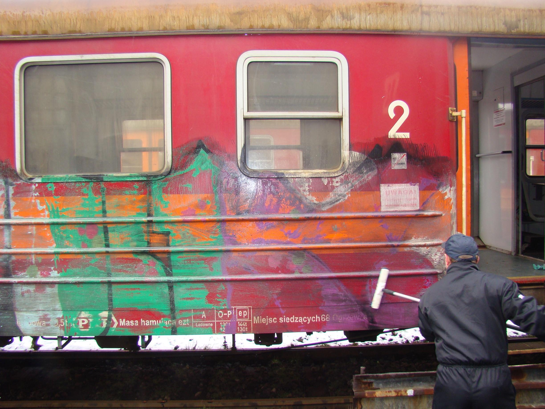 usuwanie graffiti pociag 6 1 - Photo Gallery
