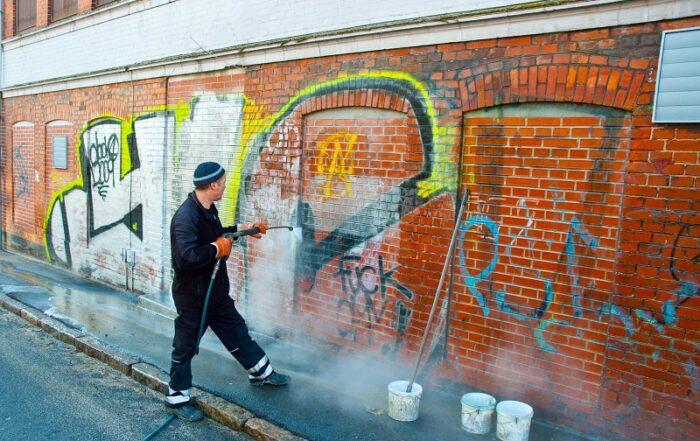 usuwanie graffiti 700x441 - Strona główna